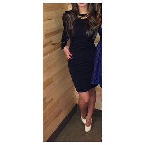 Aritzia Wilfred Free long sleeve dress size 4